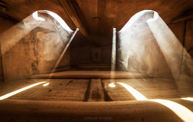 photographs-inside-cello-adrian-borda-23-5be18c266e527__700 10 Incredible Photos Taken Inside Music Instruments By A Romanian Photographer Design Photography Random
