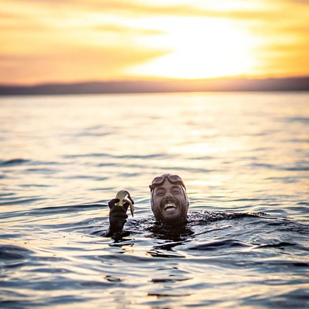 swimmer-fitness-expert-world-record-ross-edgley-great-britain-5be45120ca5d0__700 Man Who Spent 5 Months Swimming Around Great Britain Shares His Chilling Experience Design Random
