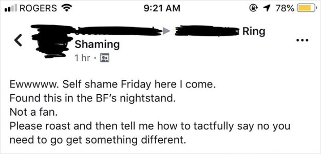 woman-shames-boyfriend-engagement-ring-1-5be14ecedecc3__700 Woman Finds A Ring In Her Boyfriend's Nightstand, Posts It To A Ring-Shaming Group Design Random