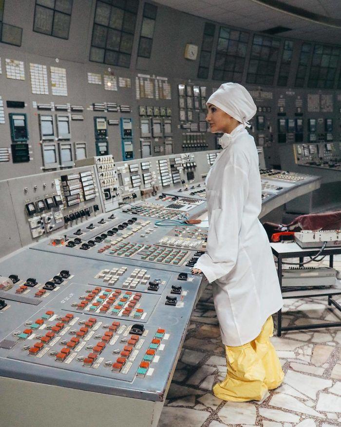"""BjzTZNnA0TW 1 png  700 - Criador de """"Chernobyl"""" da HBO dá puxão de orelha em """"famosinhos"""" do Instagram"""