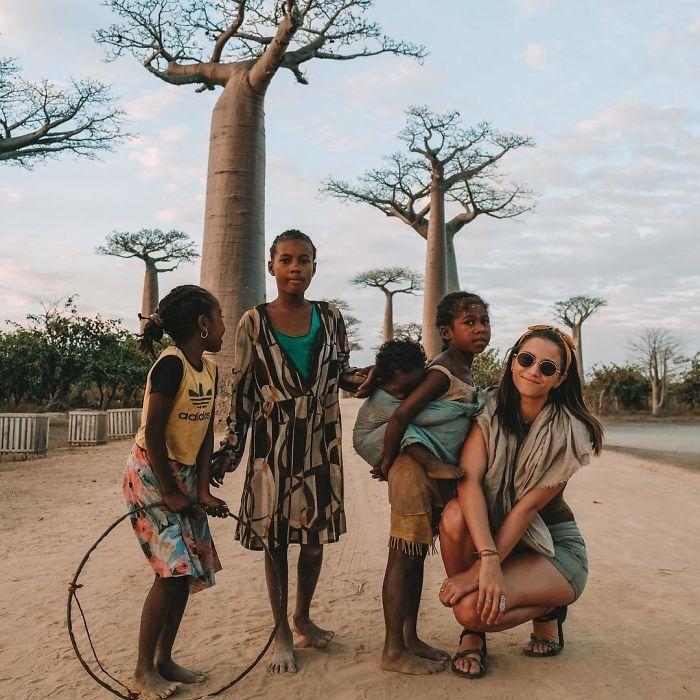 BpDYv4GAHWy png  700 - Menina de 21 anos torna-se a pessoa mais jovem a visitar todos os países