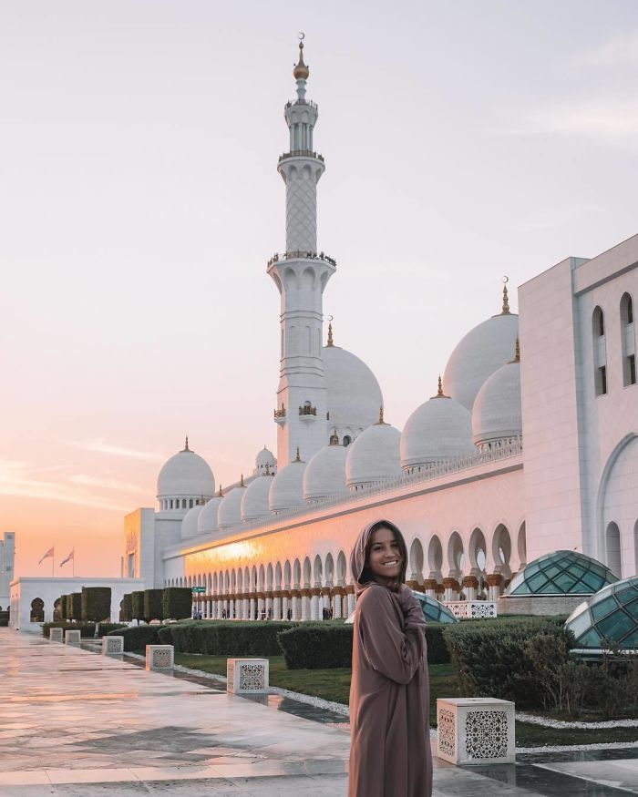 BrbXey4AaQe png  700 - Menina de 21 anos torna-se a pessoa mais jovem a visitar todos os países