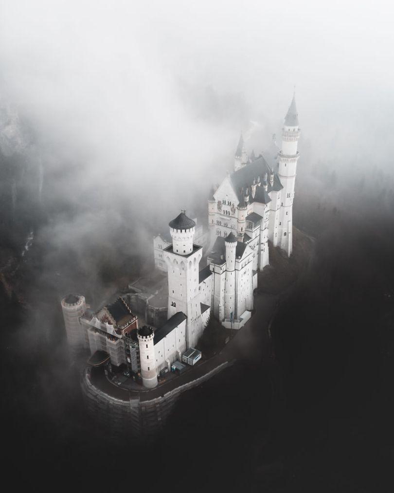 Dark Disneyland by tommimatz Germany Tommi MatzAGORA images 5d6fc6176798e  880 - As imagens mais inacreditavelmente incríveis de 2019