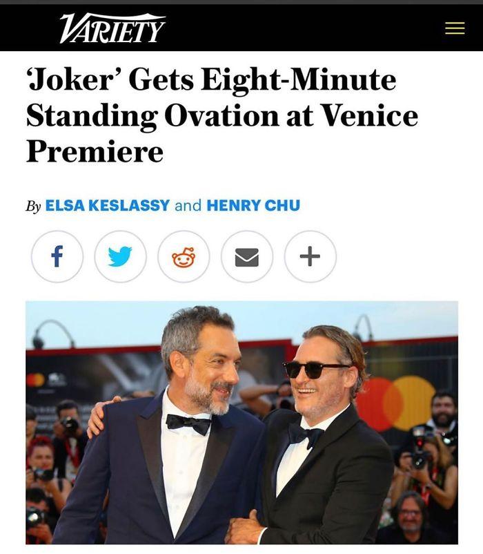 Ator e diretor comemorando sucesso do filme