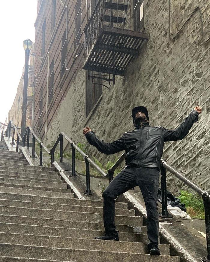 joker stairs tourist attraction new york 16 5daff5aecac2b  700 - Escadas do 'Coringa' em Nova York se tornam uma atração turística!