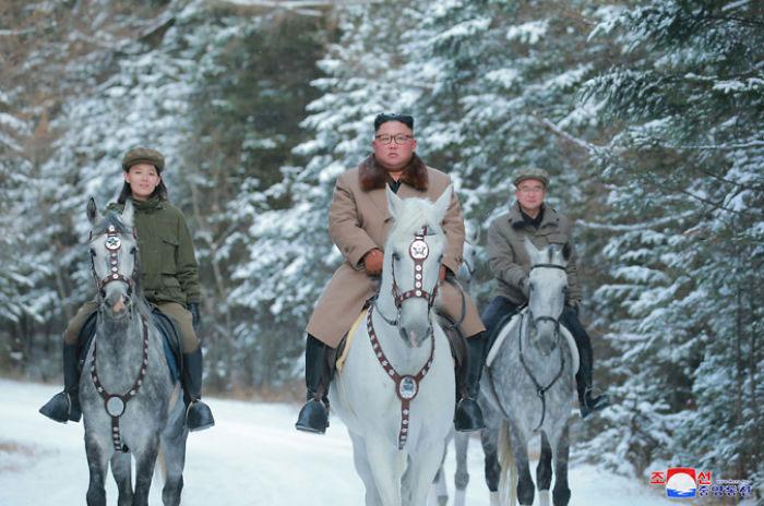 kim jong un 48 - Kim Jon-un e Vladmir Putin andaram juntos a cavalo?