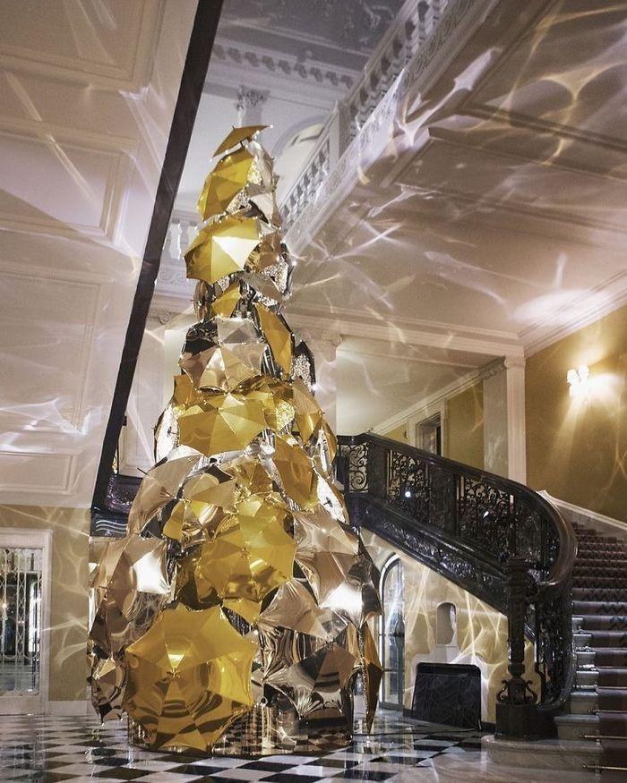 Claridge Hotel's Christmas Tree Made Of 100 Umbrellas