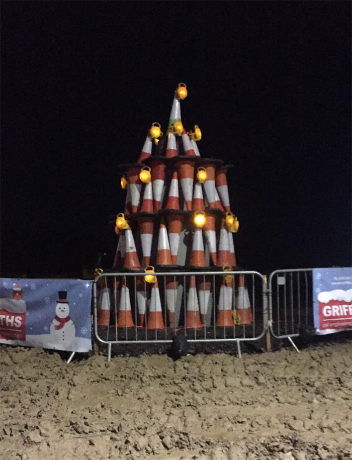 Workers On One Of Yeovil's Busiest Roads Are Trying To Spread A Bit Of Festive Joy By Building Their Own Version Of A Christmas Tree