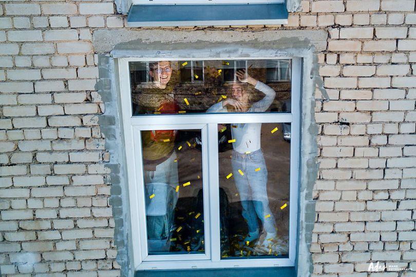 tasfotografaslt014 5e78f4987ba29  880 - Fotógrafo da Lituânia consegue trazer diversão durante a Quarentena
