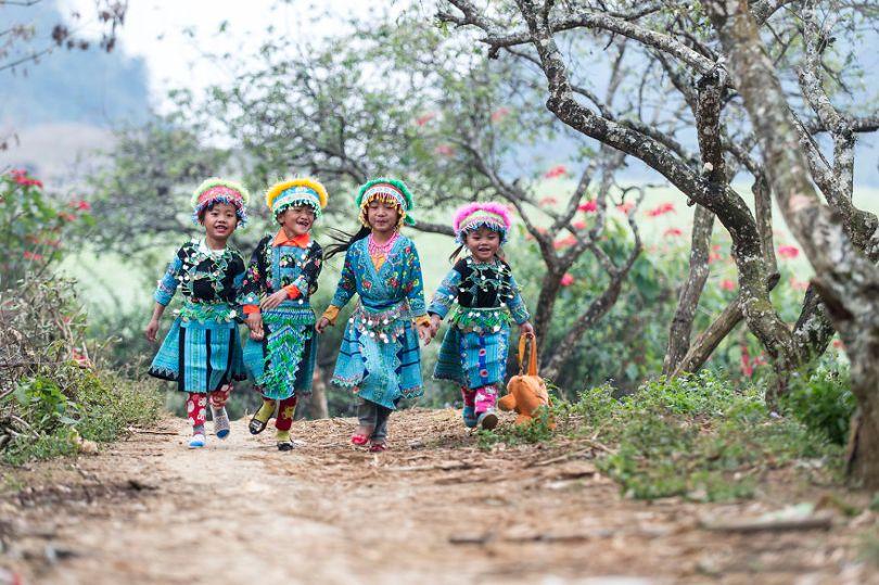 Children Moc Chau Vietnam by nguyenvuphuoc Vietnam 5e8f3cafe63c4  880 - As 50 fotos profissionais mais alegres de 2020!