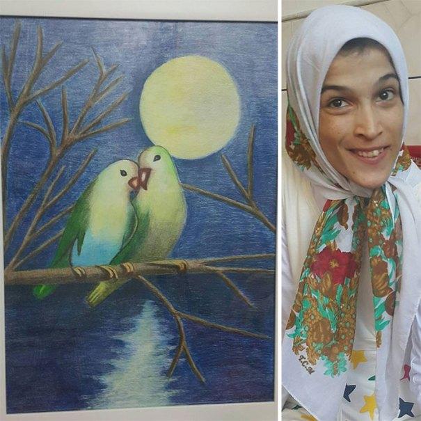 Disabled Iranian Artist Draws With Feet Fatemeh Hammami Nasrabadi 5 5ea7f9cf02f18  700 - Você não vai acreditar! Artista desafia a deficiência desenhando com o pé