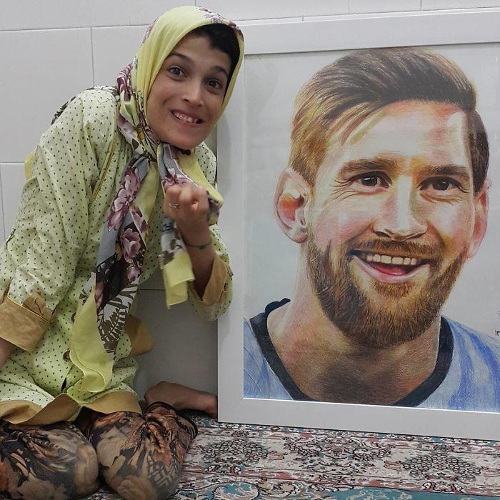 Iranian artist is thrilling the world by painting portraits with his feet 5ea6f74922f60  700 - Você não vai acreditar! Artista desafia a deficiência desenhando com o pé