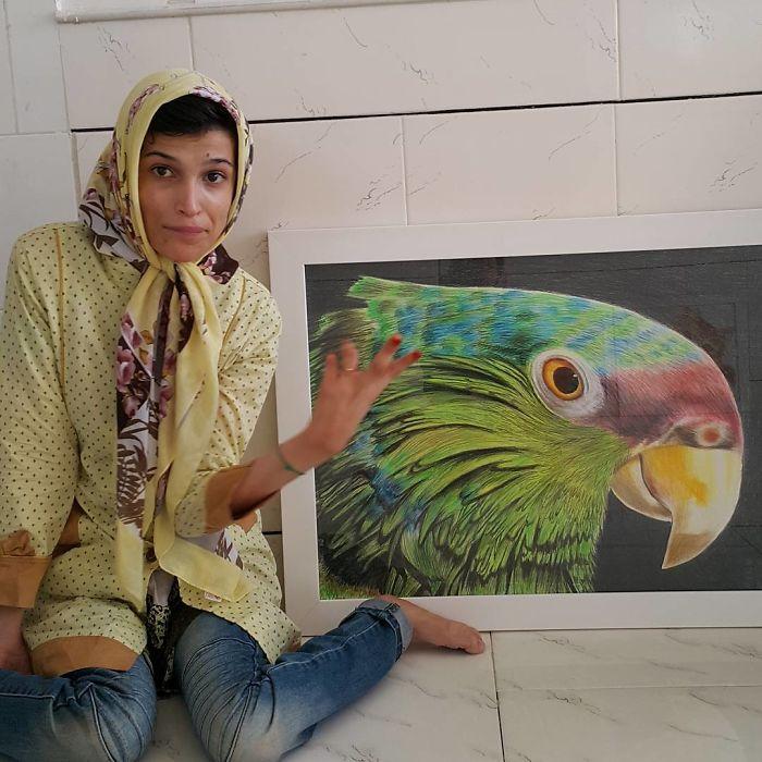 Iranian artist is thrilling the world by painting portraits with his feet 5ea6fb06a347f  700 - Você não vai acreditar! Artista desafia a deficiência desenhando com o pé