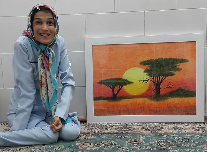 Iranian artist is thrilling the world by painting portraits with his feet 5ea6fb6613d38  700 - Você não vai acreditar! Artista desafia a deficiência desenhando com o pé