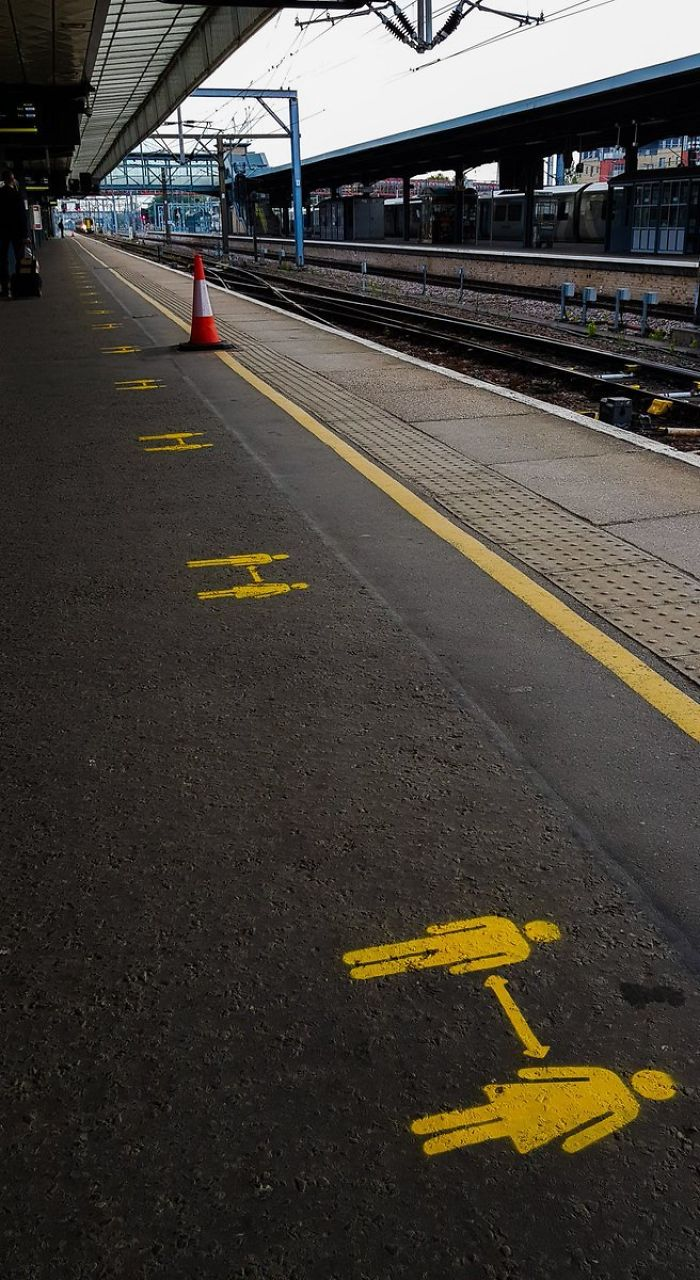 Stand Behind The Yellow Line And 2 Metres Apart: Monday Commute