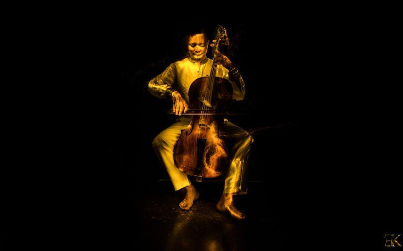 I photographed music instruments with lightpainting no photoshop 5f9b2436adbcd  880 - Fotografo utiliza técnica de luz em instrumentos e o resultado é incrível