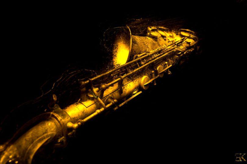 I6A2268 Modifier 5f9ae2ca2f531  880 - Fotografo utiliza técnica de luz em instrumentos e o resultado é incrível