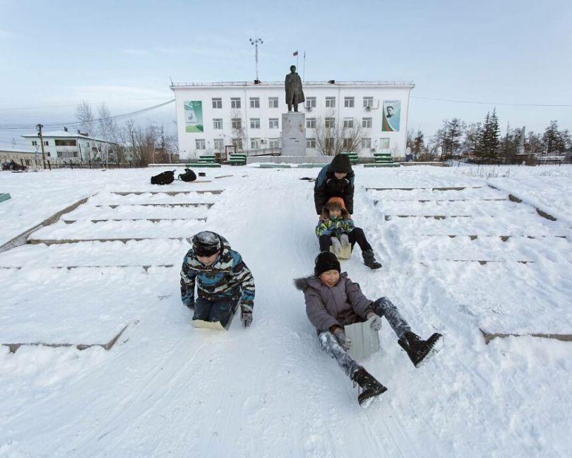 Photographer Alexey Vasiliev shows the daily life of Russias coldest region 6037550764344  880 - Qual a menor temperatura já registrada na Terra?