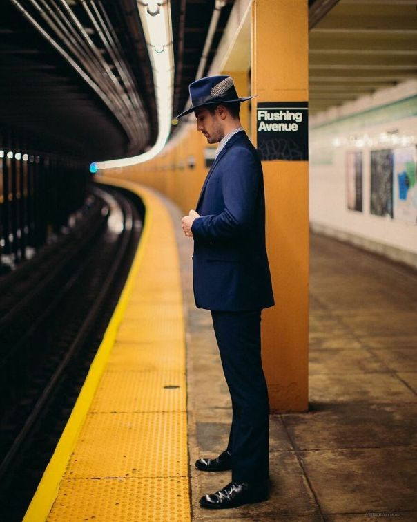 A Photographer Takes Pictures Of Random People On The Subway And The Result Is Incredible