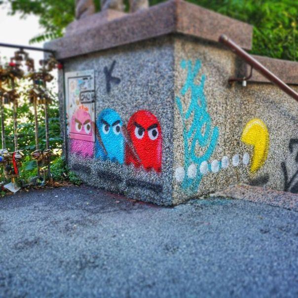He Killed Our Orange Bro!! Time For Revenge!!!!!!!! @okoloaround Festival #streetart #oakoak #pacman #zagreb #revenge #urban #croatia #zagreb #videogame #retrogame #pacman #ghost #fight #art #urbanart #stencil #graff #graffiti #fun #funny