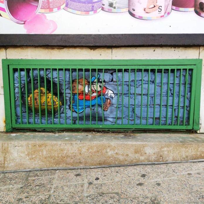 Ни одна крепость не является неприступной в Загребе для фестиваля @okoloaround.  #oakoak #streetart #urbanart #oaky #graffityart #urban #thebeagleboys #rapetout #urbanintervention # mtn94 #art #fun #funny #graff #oak #street #wall #wallporn # montana94 #disney