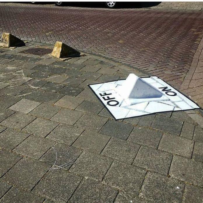 Сегодня на улице слишком темно ... (В Амстердаме, 2016) qui A Éteint Dehors ??  Il Fait Trop Sombre # mtn94 #streetart #oakoak #light #dark #lumiere #sombre #ground #onoff #road #urbanintervention #fun #funny #cold #stencil #stencilart #oak #graff