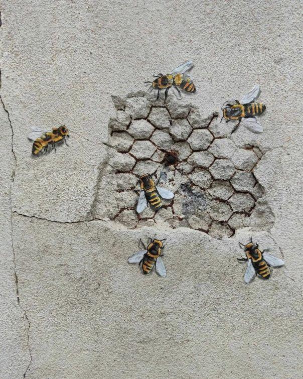 The Urban Bees les Abeilles Urbaines #oakoak #streetart #urbanintervention #art #urban #arturbain #wallart #bee #abeille #miel #honey #ruche #wall #mur #saintetienne #art #urbain
