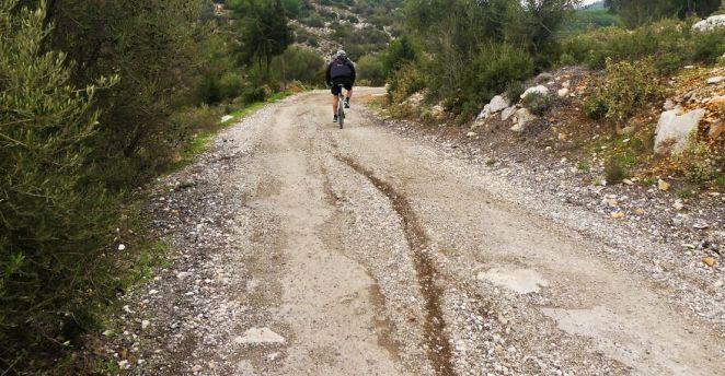 I Explored Poikilo Mountain In Attica Greece (17 Pics)
