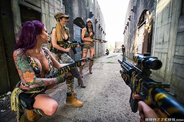 Monique Alexander, Danny D, Jasmine Jae, Stella Cox - Brazzers - Cock Of Duty: A XXX Parody