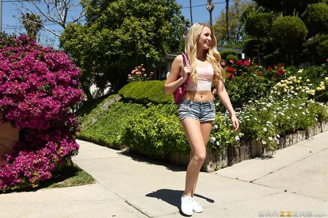 Scarlett Sage - Brazzers - Teens Like It Big - Tiny Teen Hooker