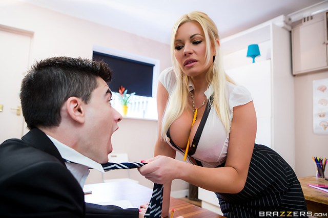 Michelle Thorne - Brazzers - Big Tits At School - Spanglish Lessons