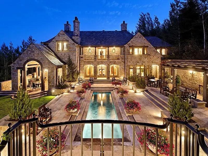 $ 19950 тысяч недвижимости в Аспене, штат Колорадо, известный как Starwood, охватывает почти 14000 квадратных футов.