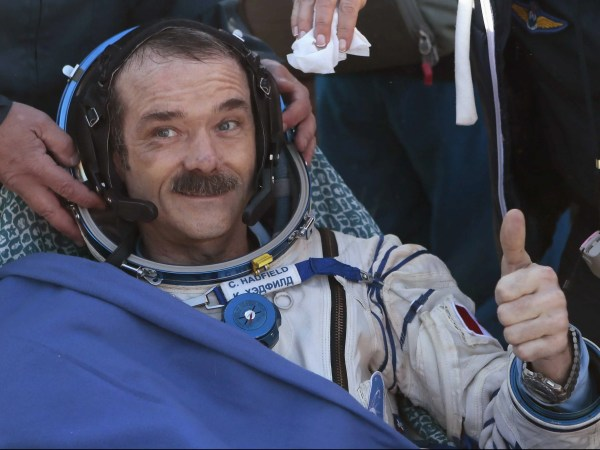 Astronaut Chris Hadfield Explains How To Conquer Your ...