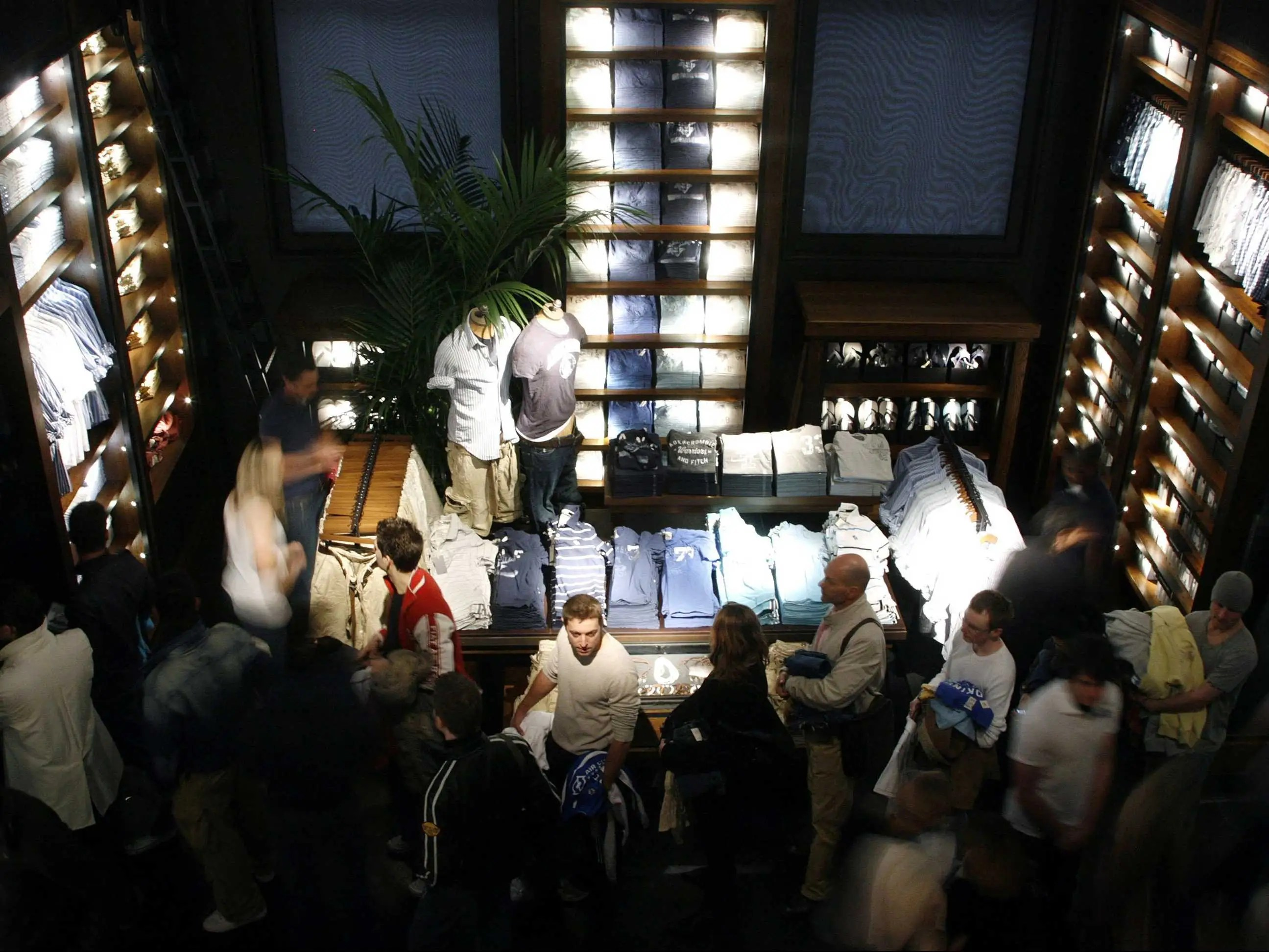 Abercrombie Is Killing The Nightclub Vibe In Its Stores