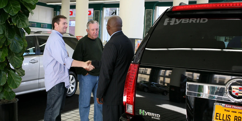 A Former Car Salesman Reveals 4 Tricks Dealers Use To Get