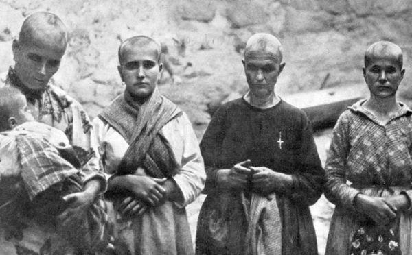 Prudencia la catalana, Antonia la planchadora, Pureza y Antonia Gutiérrez, expuestas así en un lugar público para servir de intimidación a sus convecinos, y de humillación a ellas mismas, e