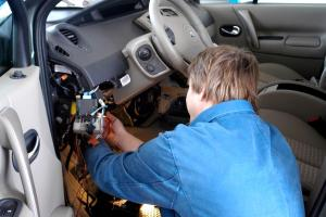 Detecting 6 Common Automatic Transmission Problems  CAR