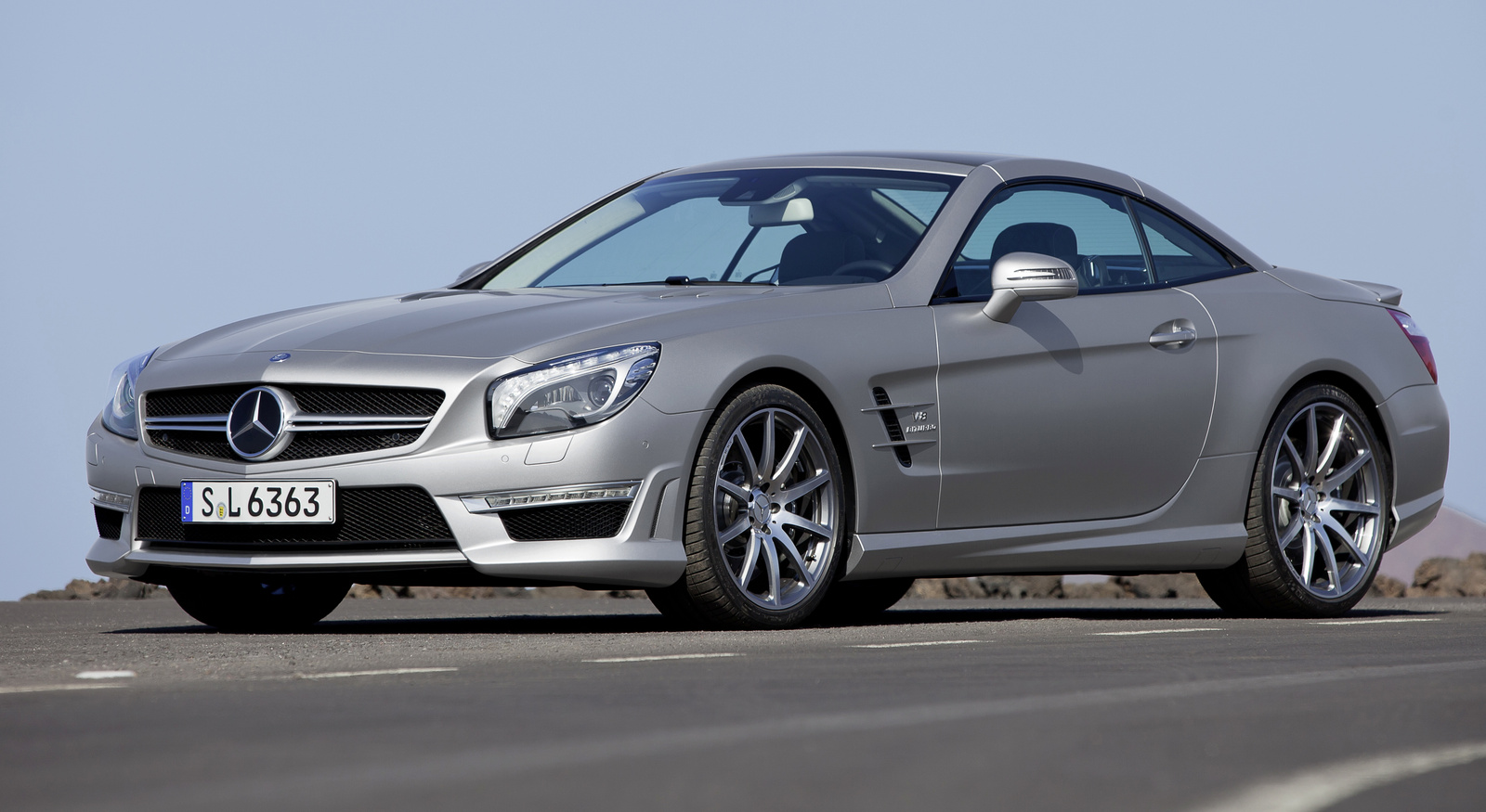 Highlights of Mercedes-Benz SL-Class 2014