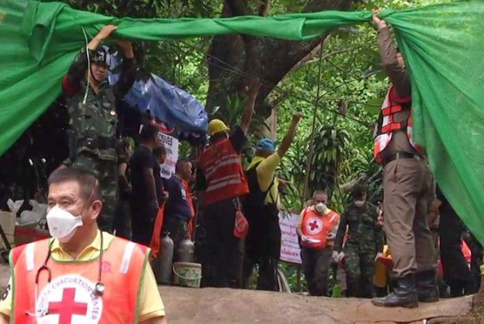 Operação de resgates dos meninos tailandeses presos em uma caverna por 17 dias