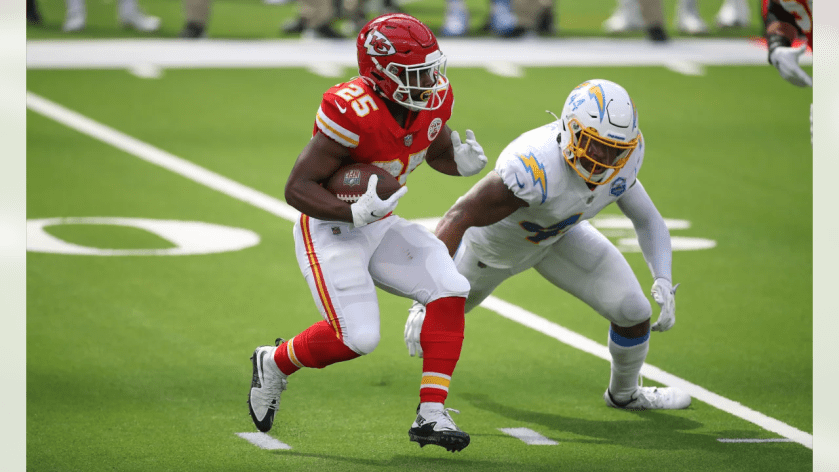 Kansas City Chiefs running back Clyde Edwards-Helaire (25) during the game between the Kansas City Chiefs and the Los Angeles Chargers at SoFi Stadium on September 20, 2020