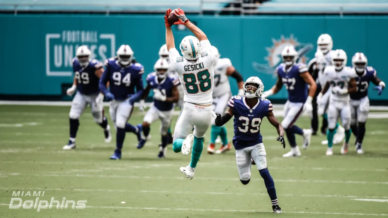 Mike Gesicki makes an acrobatic catch in the Dolphins Week Two matchup vs the Bills.