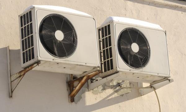 theo mùa bảo dưỡng máy điều hòa không khí