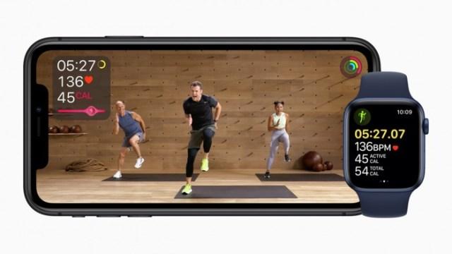 40668-78429-Apple_fitness-plus-iphone11-apple-watch-series-6_09152020-xl.jpg