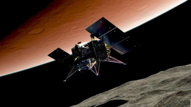 MMX-Spacecraft-Descending-Phobos-777x437.jpg