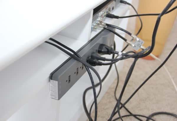comment cacher les cables de la tele en