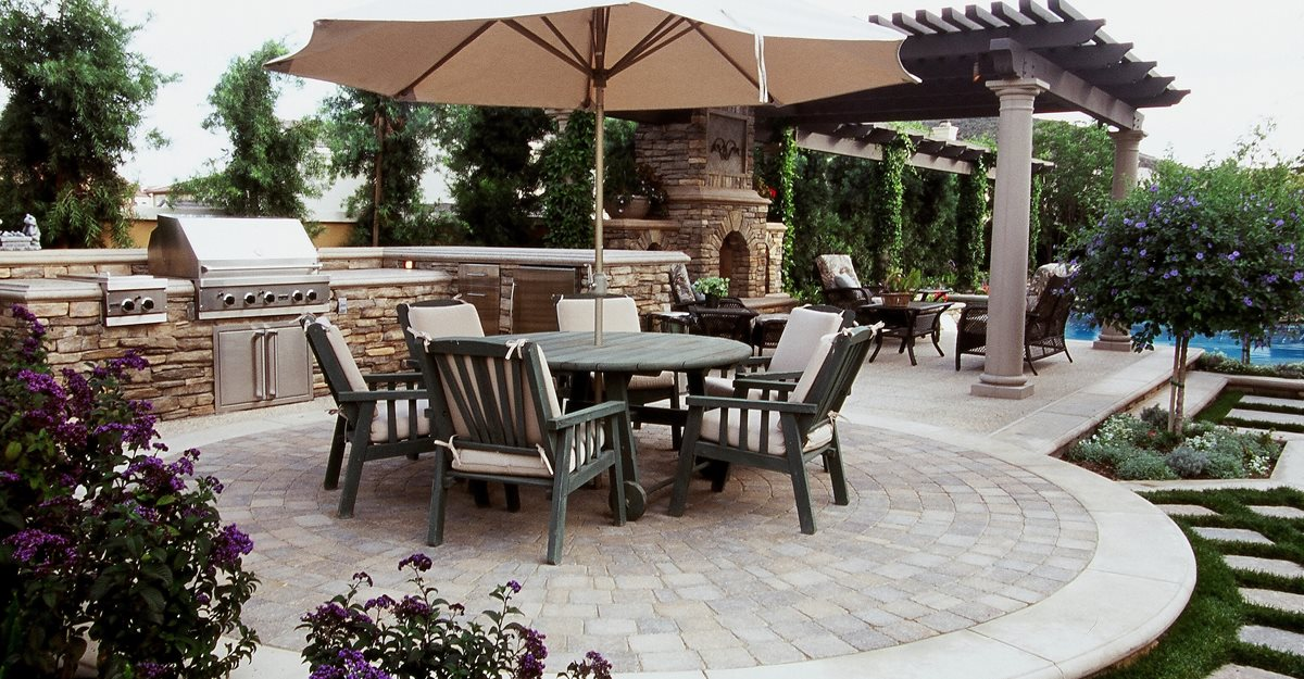 Backyard Designs - Outdoor Living Rooms and Backyard Ideas ... on Backyard Concrete Patio Designs  id=51660