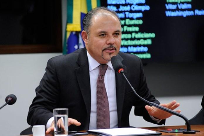Membro da bancada religiosa na Câmara, deputado Flavinho defende a pertinência do projeto