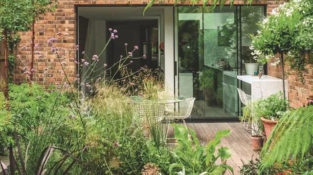 Idées Récup à Piquer Aux Paysagistes Pour Un Jardin Urbain Chic Idee Deco Avec Recup