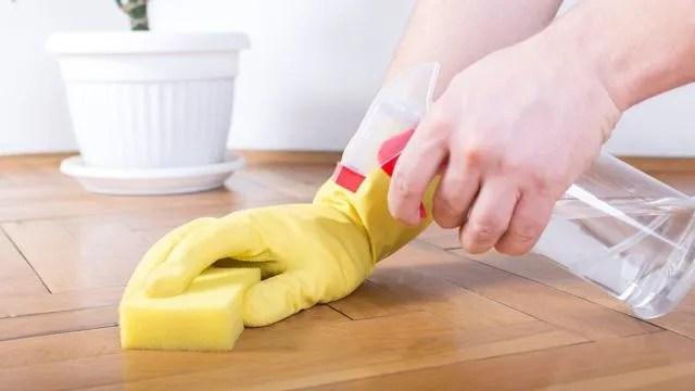 nettoyer et faire briller un parquet