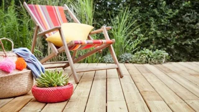 Terrasse En Bois Naturel Ou Bois Composite Ce Qu Il Faut Savoir Cote Maison